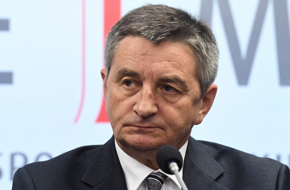 Valitsuse lennukiga pereliikmeid sõidutanud Poola parlamendi spiiker astus tagasi