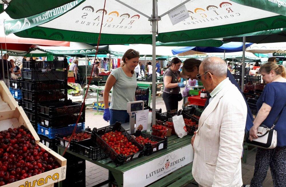 Läti ausad maasikakasvatajad on samuti petturitest kaupmeestega hädas