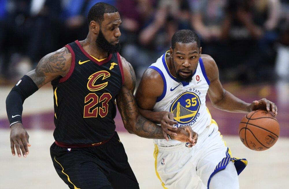 Finaalseeria kaks võtmemeest: LeBron James ja Kevin Durant