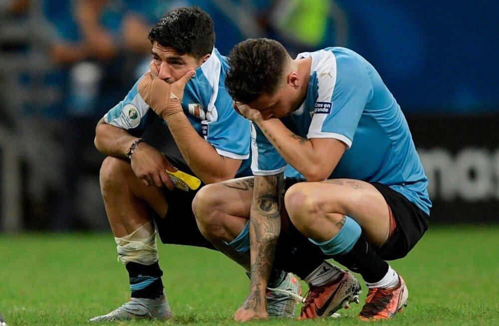 Pettunud Luis Suarez ja Jose Maria Gimenez.