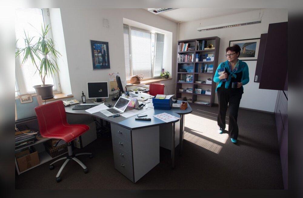 Tunne Kelami Tallinna büroo ja tema büroojuht ja assistent