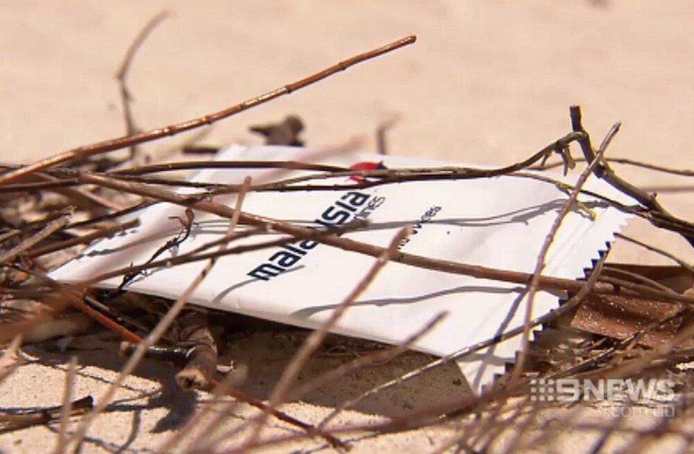 Esimene jälg kadunud Malaysia Airlinesi lennukist? Austraalia rannikult leiti salongist pärit ese