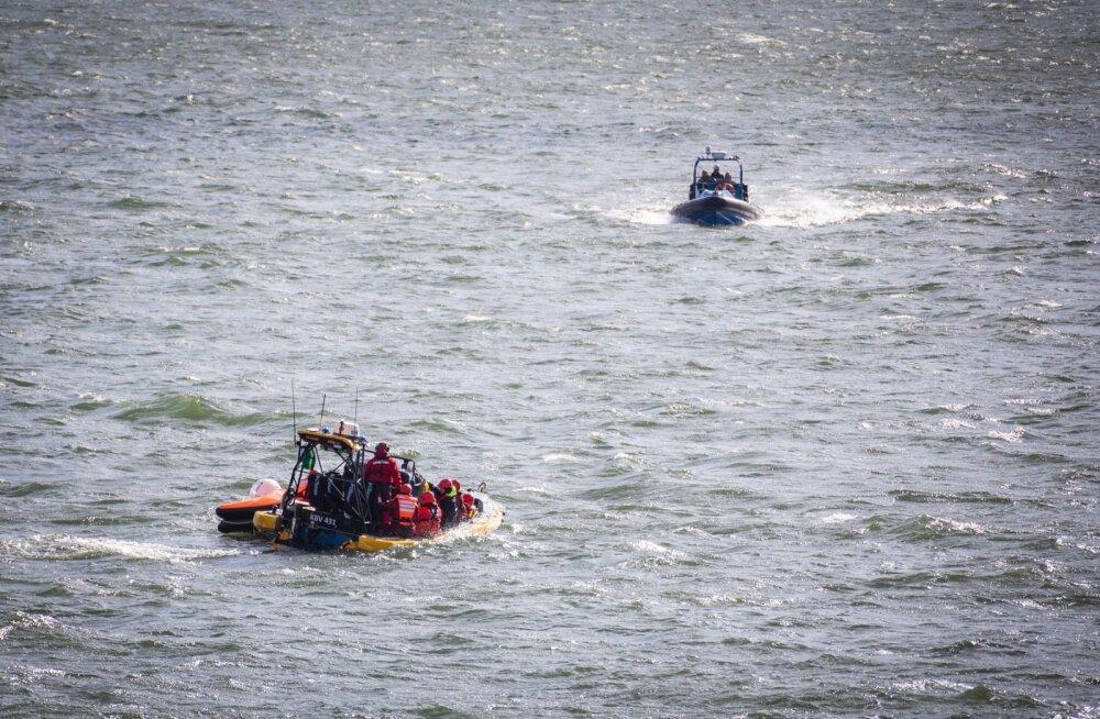 30 aastat Eestisse elama asumisest unistanud mees sõitis varastatud paadiga üle Narva jõe