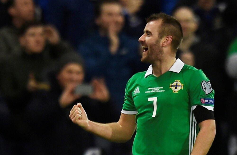 Niall McGinn tähistamas Põhja-Iirimaa vastu löödud väravat.