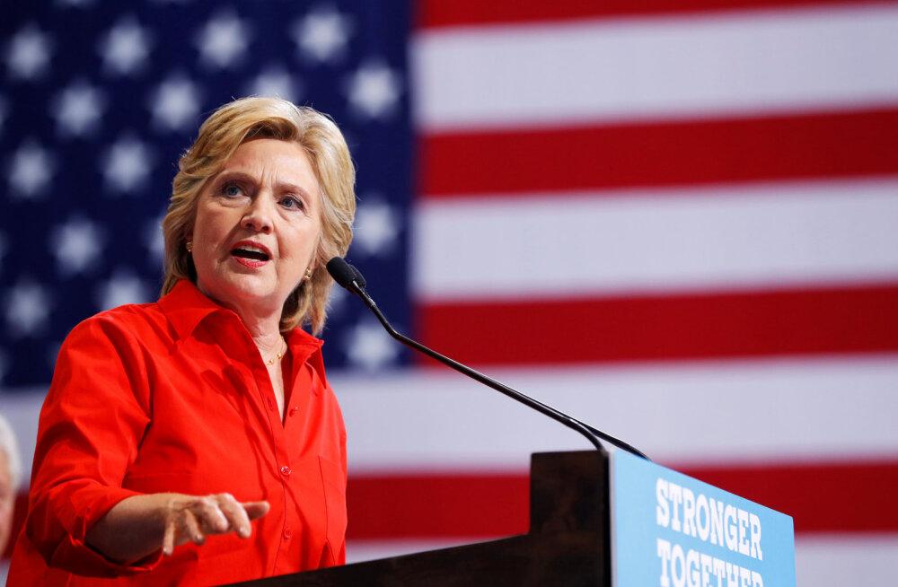 Clinton: me teame, et demokraatliku parteid ründasid Vene luurajad, aga Trump julgustab neid