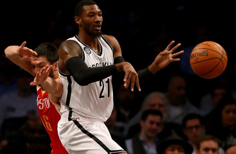 Siim-Sander Vene koduklubi palkas NBA kogemusega korvpalluri