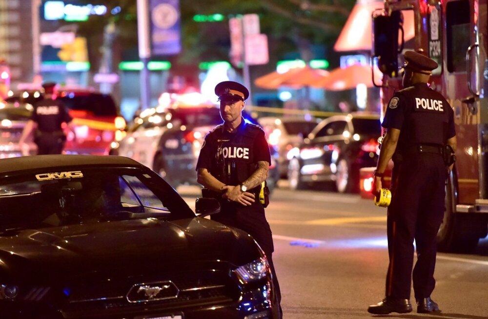 Стрельба в Торонто: один человек погиб, еще 13 — получили ранения