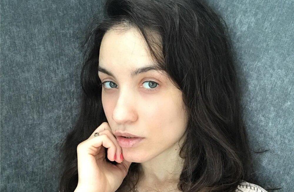 Виктория Дайнеко возмущена: муж сказал о разводе всем, кроме нее