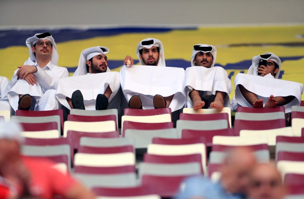 Katari härrasmehed kergejõustiku MM-i jälgimas.