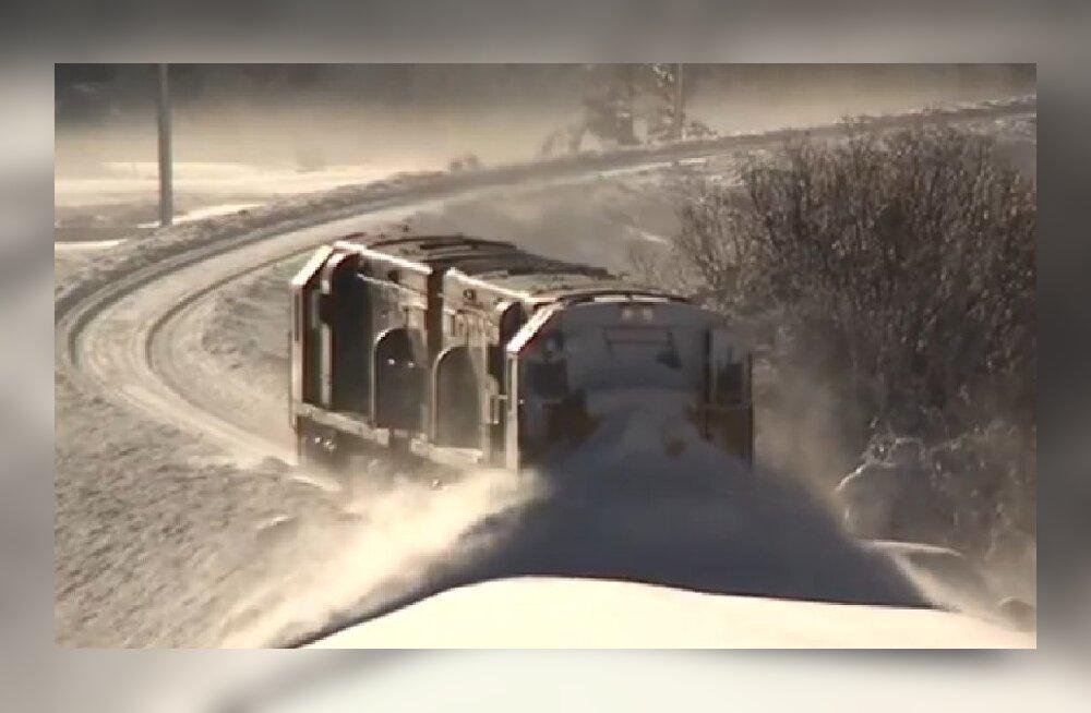 Kui lund on liiga palju ja raudtee vaja puhtaks lükata