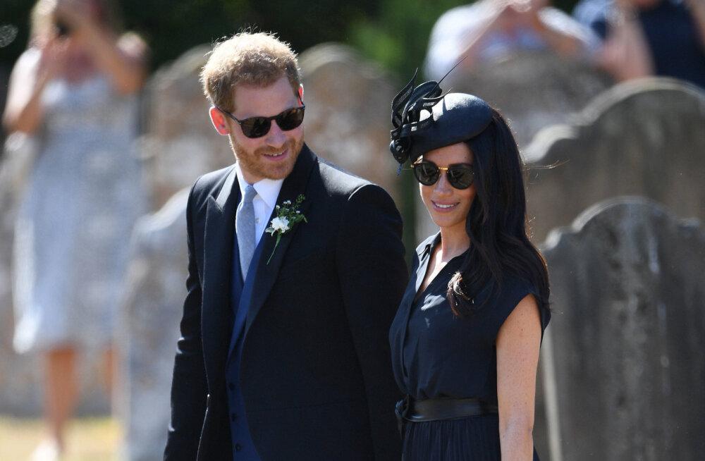 Polegi nii paipoiss? Prints Harry patustas pulmas oma jalatsivalikuga