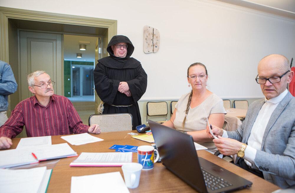 MEIE MAA | Saaremaa vallavolikogu ühele kohale kandideerib kümme inimest