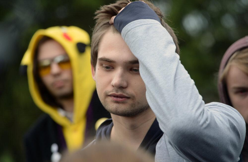 """Суд освободил блогера Соколовского от наказания за """"ловлю покемонов"""" в храме"""