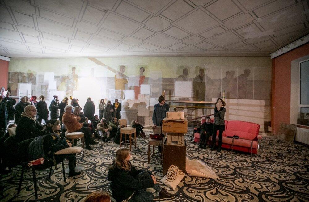 Dolores Hoffmanni fresko demonteerimine lammutatavas  kino Rahu hoones.