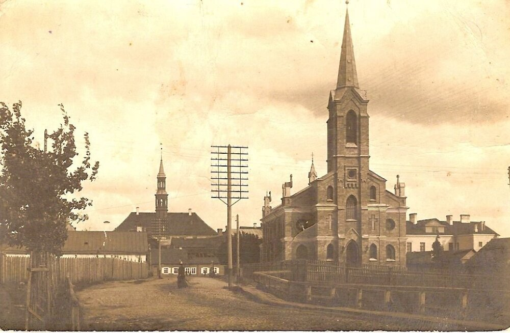 Jaak Juskega kadunud Eestit avastamas: lugu Narva kirikust, mis elab edasi vaksalihoones
