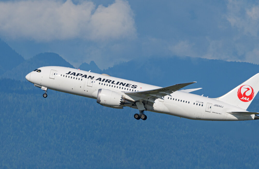 Japan Airlinesi lennuk naasis mootori vibratsiooni tõttu Helsingi-Vantaa lennuväljale