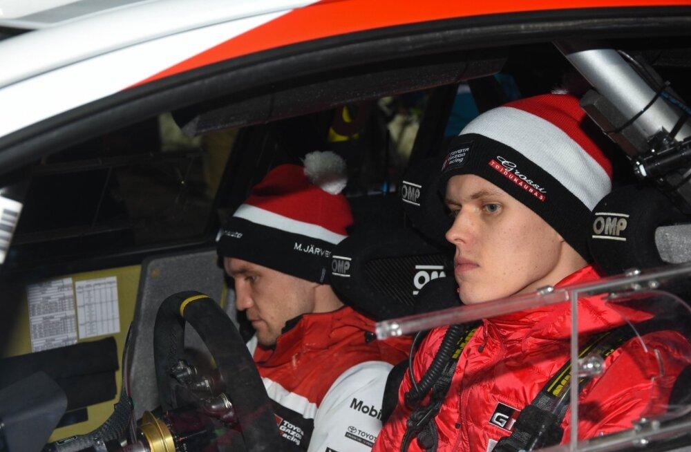 Ott Tänak ja Martin Järveoja olid vähemalt Rootsi rallil konkurentidest mäekõrguselt üle.