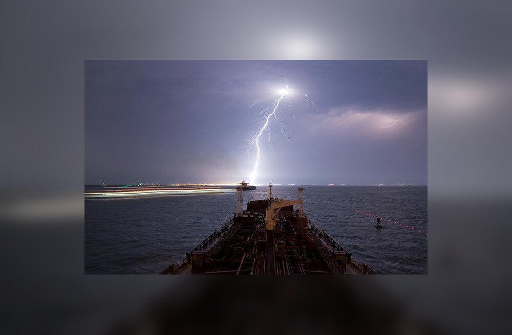 Laevateede kohal lööb taevas rohkem välku