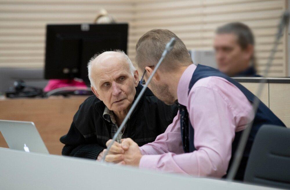 ФОТО: Три выстрела в живот. Ранившему двух охранников на Коплиских линиях пожилому вору грозит 16 лет тюрьмы
