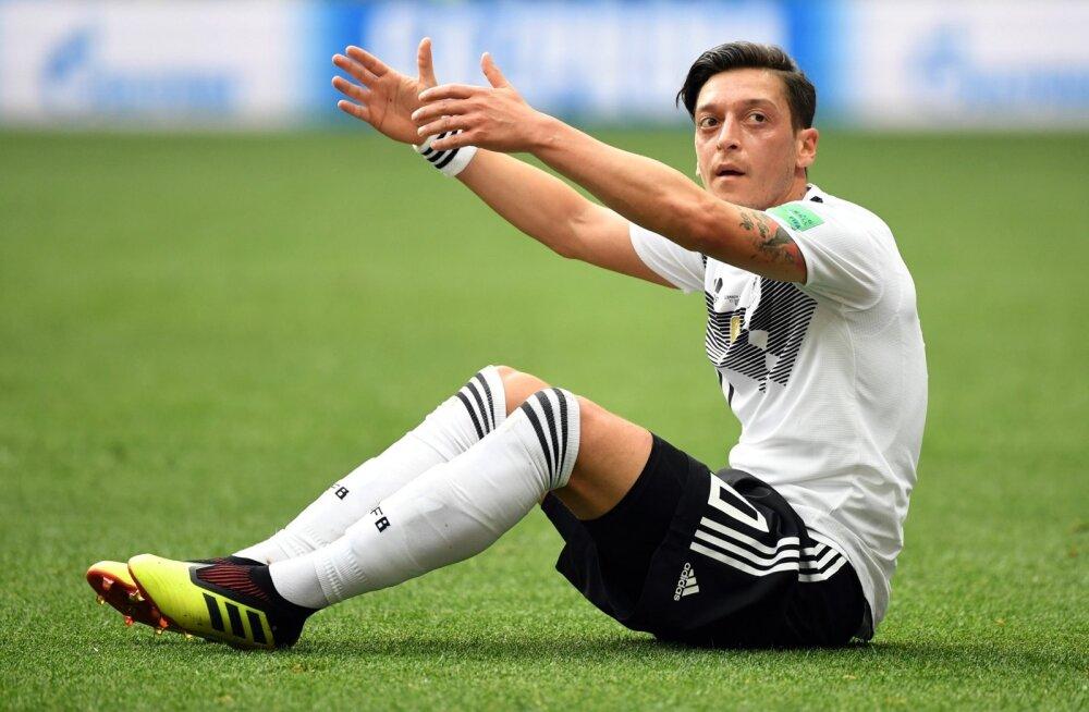 Mesut Özil ei suutnud Saksamaad võidule aidata.