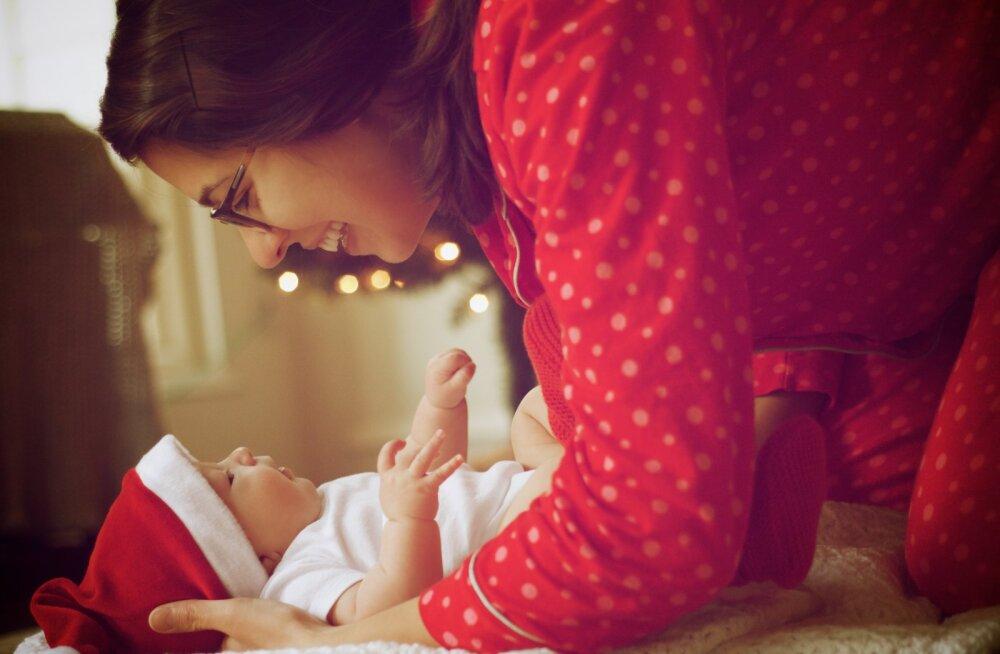 Как уложить ребенка спать в новогоднюю ночь: советы эксперта