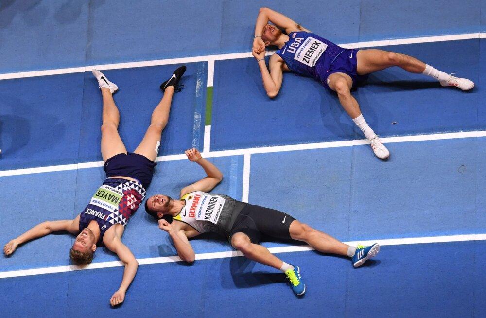 Kevin Mayer, Kai Kazmirek ja Zach Ziemek 1000 meetri jooksu järel