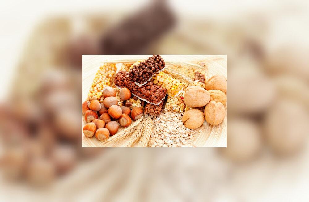 Kiudaineid leidub looduslikult paljudes toitudes, kuid seda võib manustada ka toidulisandina
