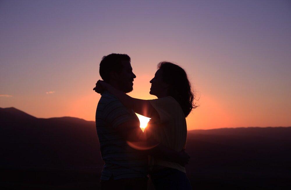 Mitmekordselt lahutatud naine: minu usk suhetesse ja armastusse ei ole vähenenud!