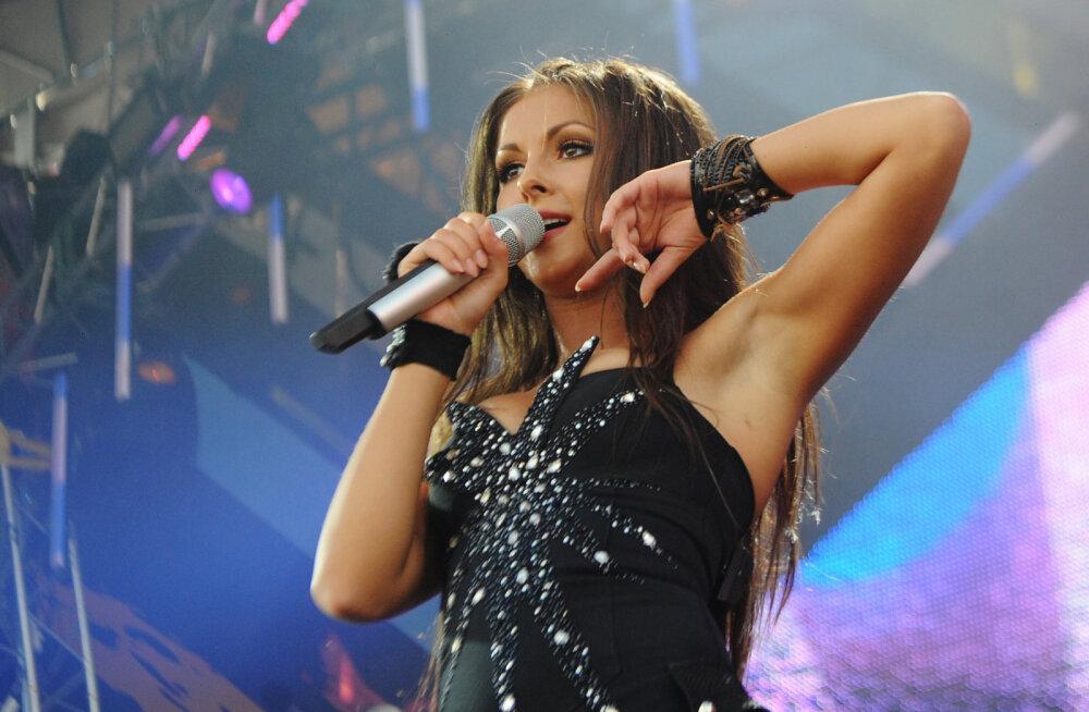 KLÕPS | Piinlik! Lauljatar Njusha jäi vahele kohutava Photoshopi töötlusega