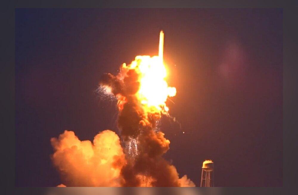 USA kosmoseraketi hävingu põhjus: vananenud nõukaaegsed mootorid