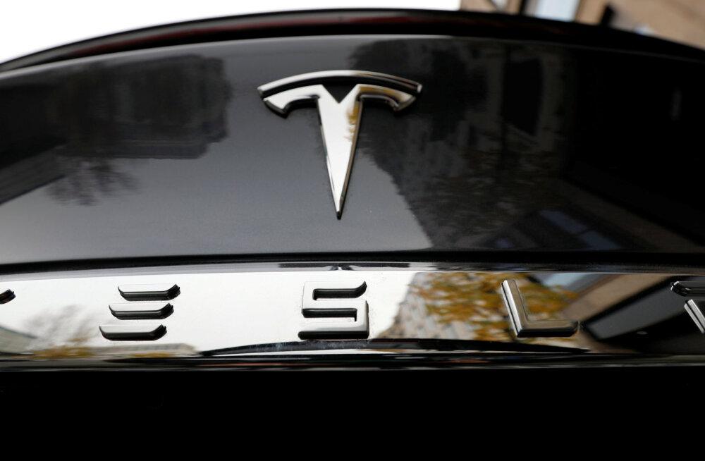 Tesla on esmakordselt väärt sada miljardit dollarit. Elon Muski ähvardab pururikkaks saamine