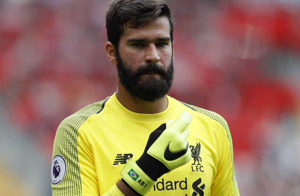 VIDEO | Liverpooli uus väravavaht tõmbas mängu ajal vastaste ründaja eriti efektselt haneks