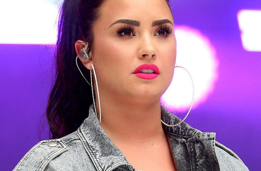 KLÕPS | Kogu oma ilus: Demi Lovato tunnistas, et on end piltidel peenemaks töödelnud