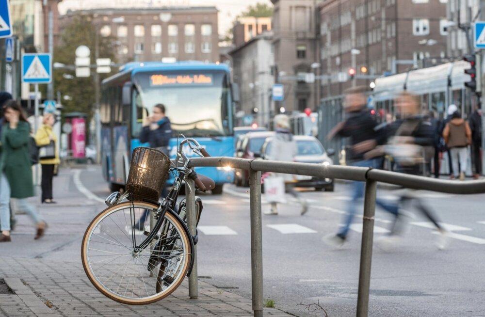Tänane Tallinna reaalsus on, et kesklinnas pole kuigi palju kohti, kuhu saaks jalgratta parkida.