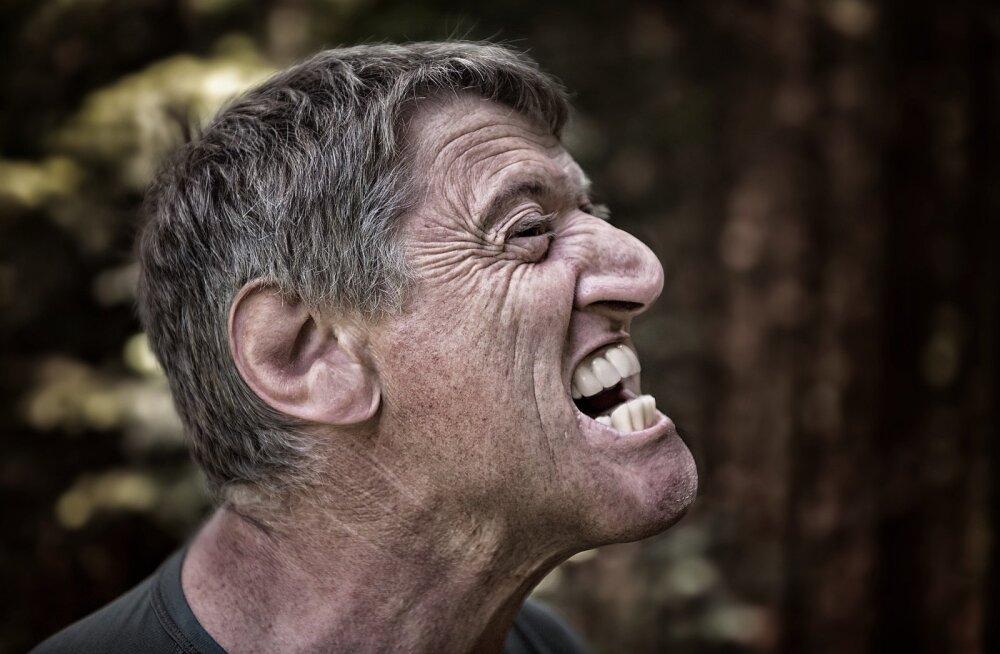 Стал вспыльчивым и самоуверенным: как вами рулит щитовидная железа