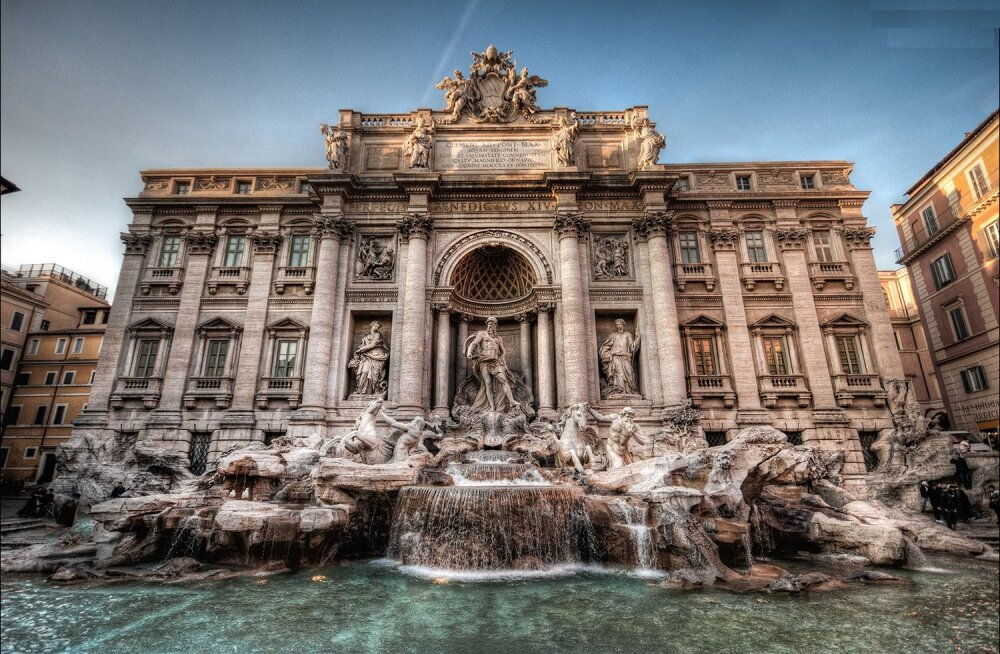 11 любопытных фактов о самом знаменитом фонтане в мире
