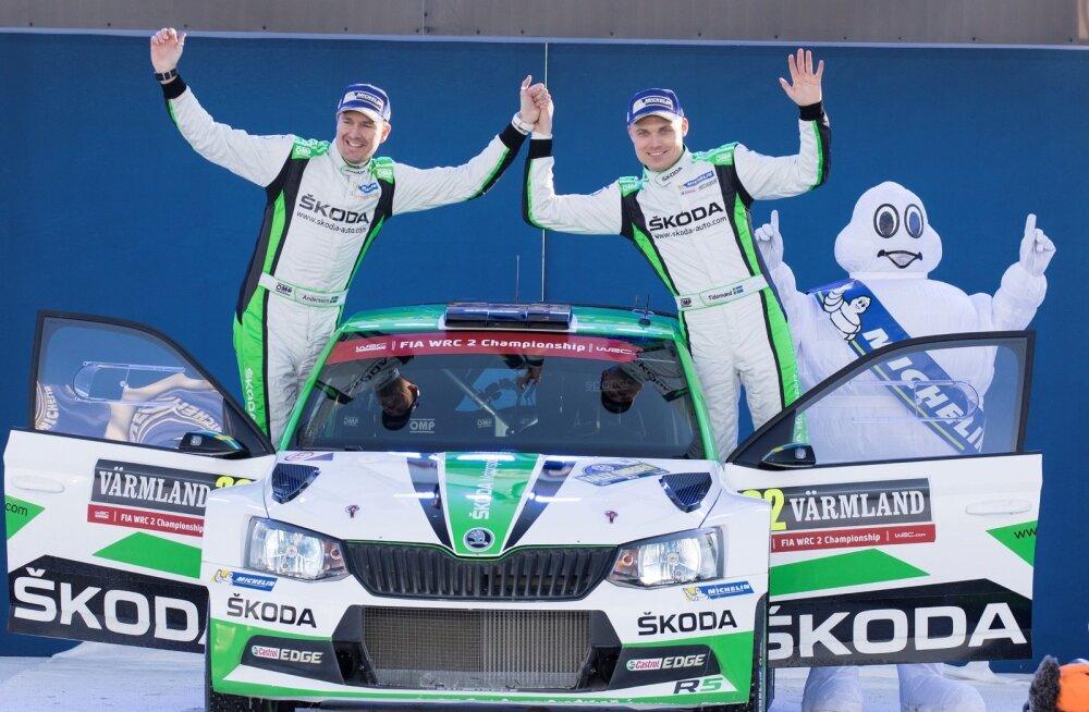 Pontus Tidemand (paremal) on seni sõitnud Škodaga edukalt WRC2-sarjas.