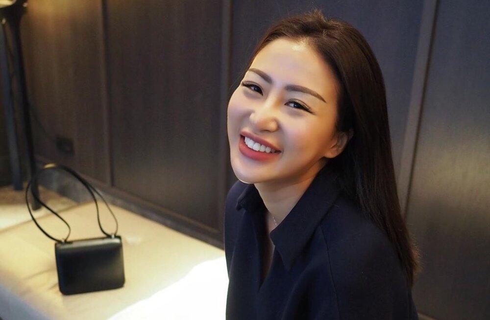 Медсестра из Китая прославилась благодаря своим фото. Почему ей пришлось уволиться?!