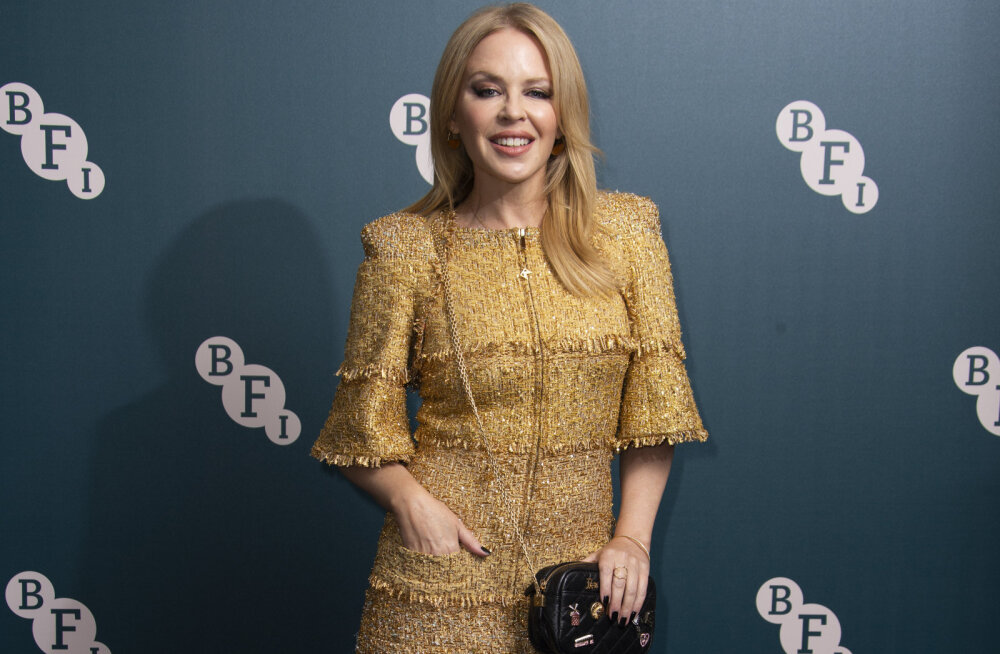 KUUM KLÕPS | 51-aastane Kylie Minogue näitas liibuvas riietuses suurepärast vormi