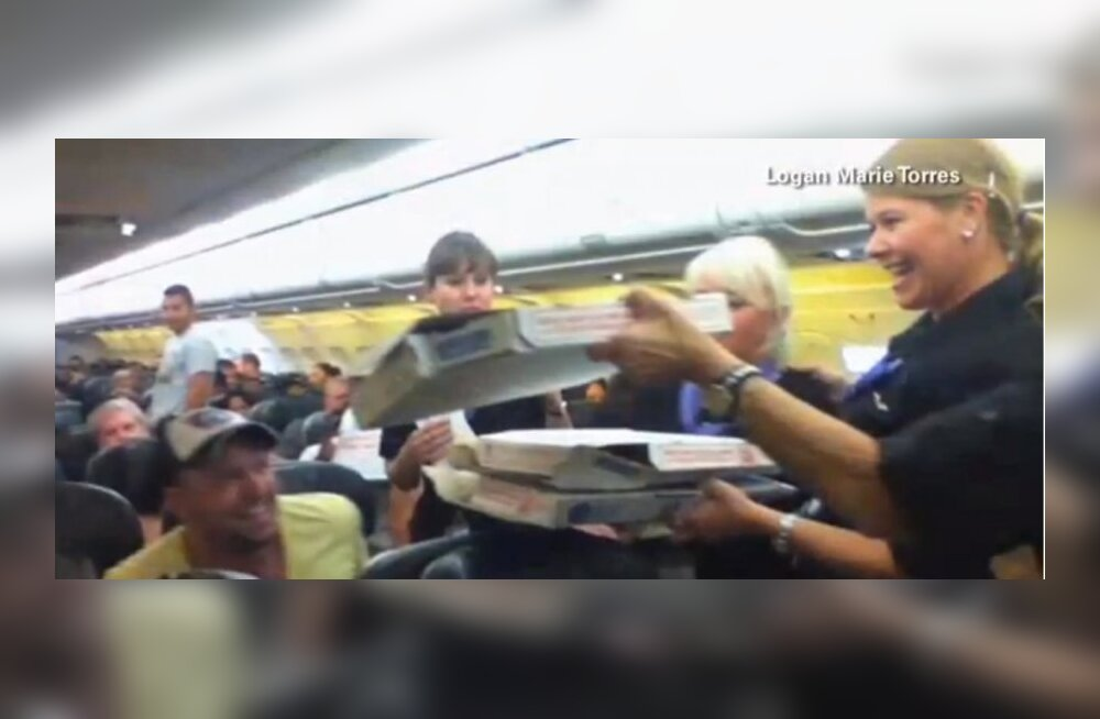 Lennuväljale tundideks seisma jäänud lennuki piloot tellis kogu lennukile pitsat