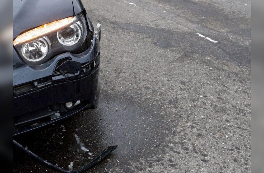 Roolijoodik põhjustas ahelavarii ja põrkus Scaniaga