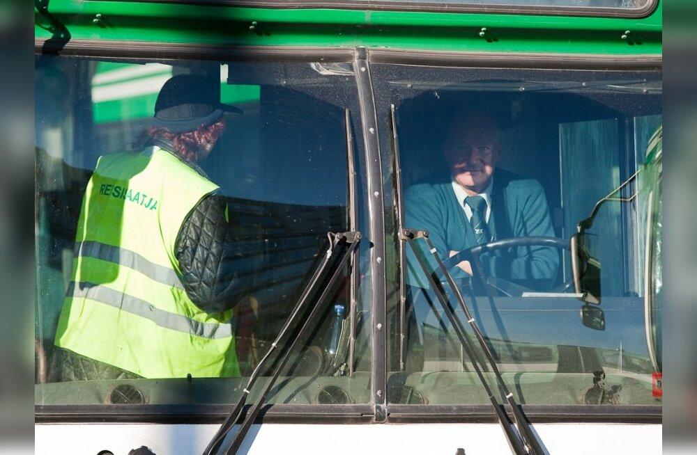 Читатель Delfi: не все водители и сопровождающие рейсов — хамы