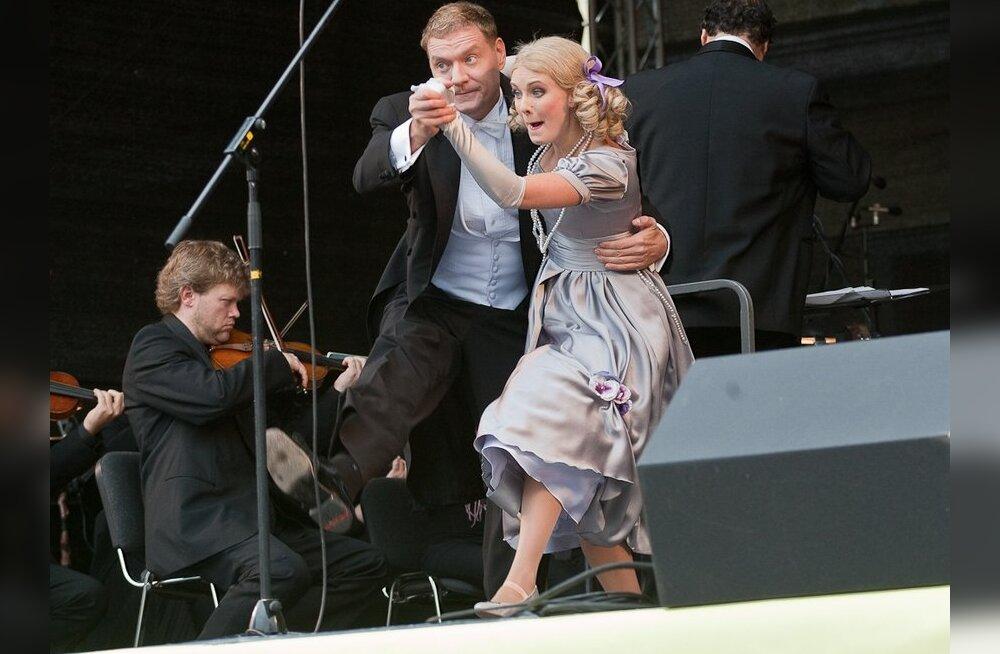 FOTOD: Estonia turupäeval kaubeldi piletite ja kostüümidega
