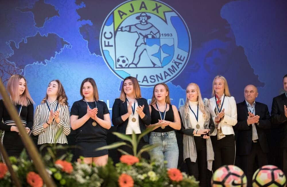 Jalgpallihooaja lõpetamine Estonia kontserdisaalis