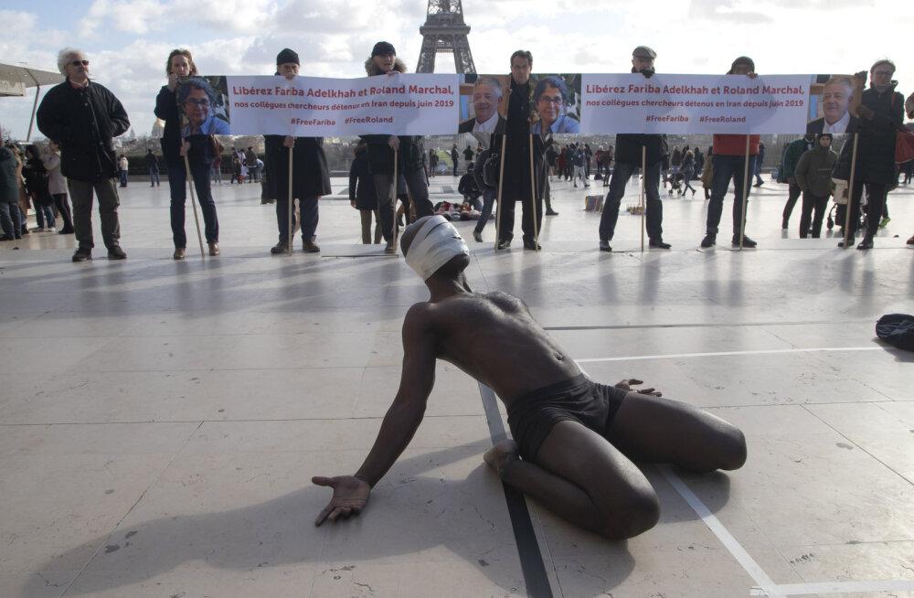 Акция в Париже в поддержку Ролана Маршаля
