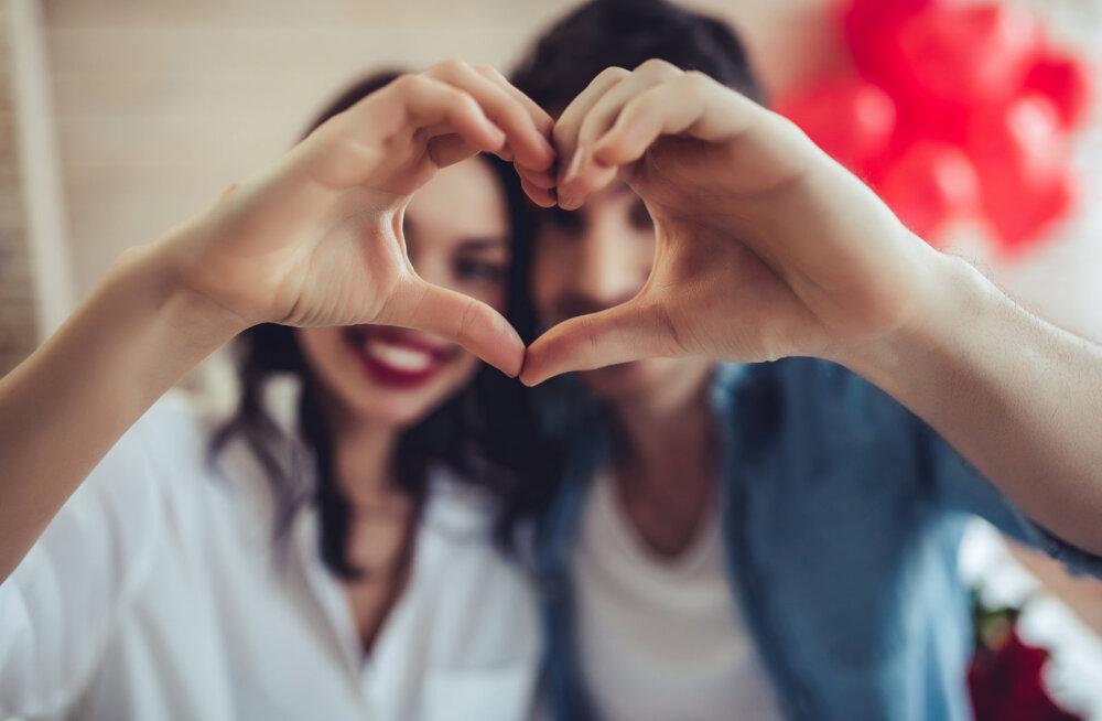 Aasta romantilisema päevani on vaid nädal minna! Siin on 5 (praktiliselt tasuta) viisi, kuidas näidata talle, kui väga sa teda armastad