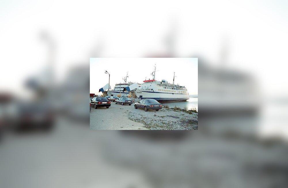 Saaremaa Laevakompanii praamid Ofelia ja Scania