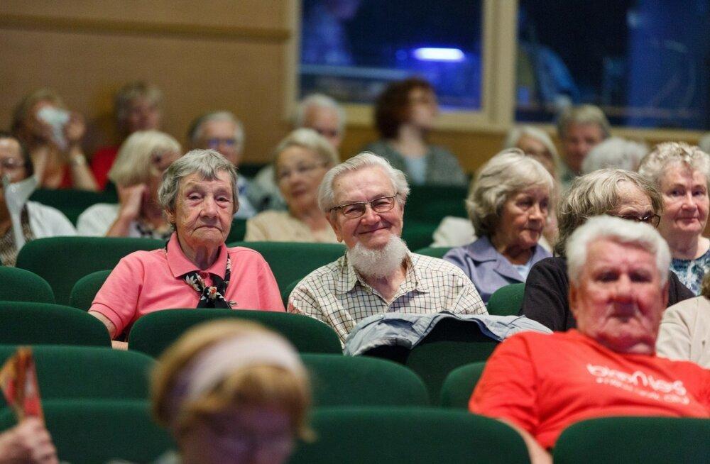 Киноклуб для пожилых открывает сезон
