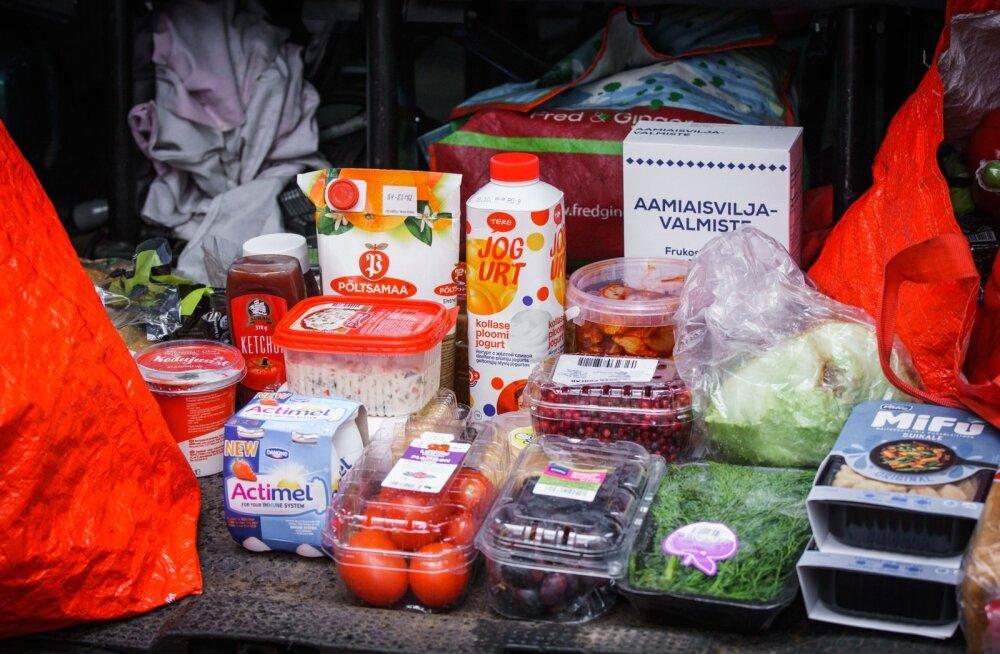 Toidupanga toidu jaotamine Pääskülas