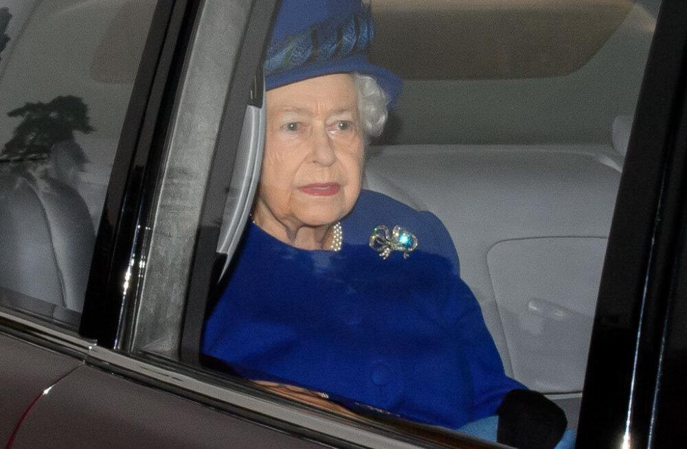 FOTOD: Lõpuks ometi! Kuninganna Elizabeth II taastus külmetushaigusest
